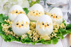 Ramen salad with eggs